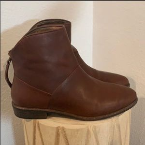Authentic UGG brown leather ankle boots Sz 7.5